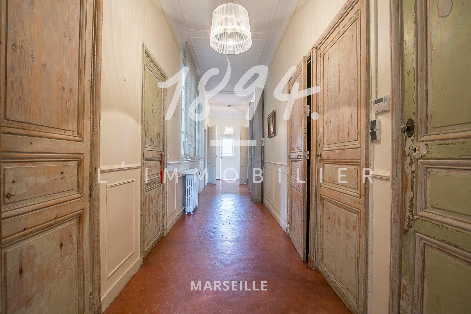 T5 traversant Haussmanien très lumineux et calme - 13001 Longchamp