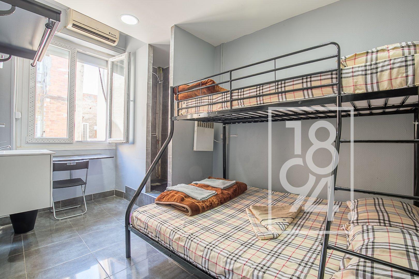 FOND DE COMMERCE HOTELIER 17 CHAMBRES EN CENTRE VILLE