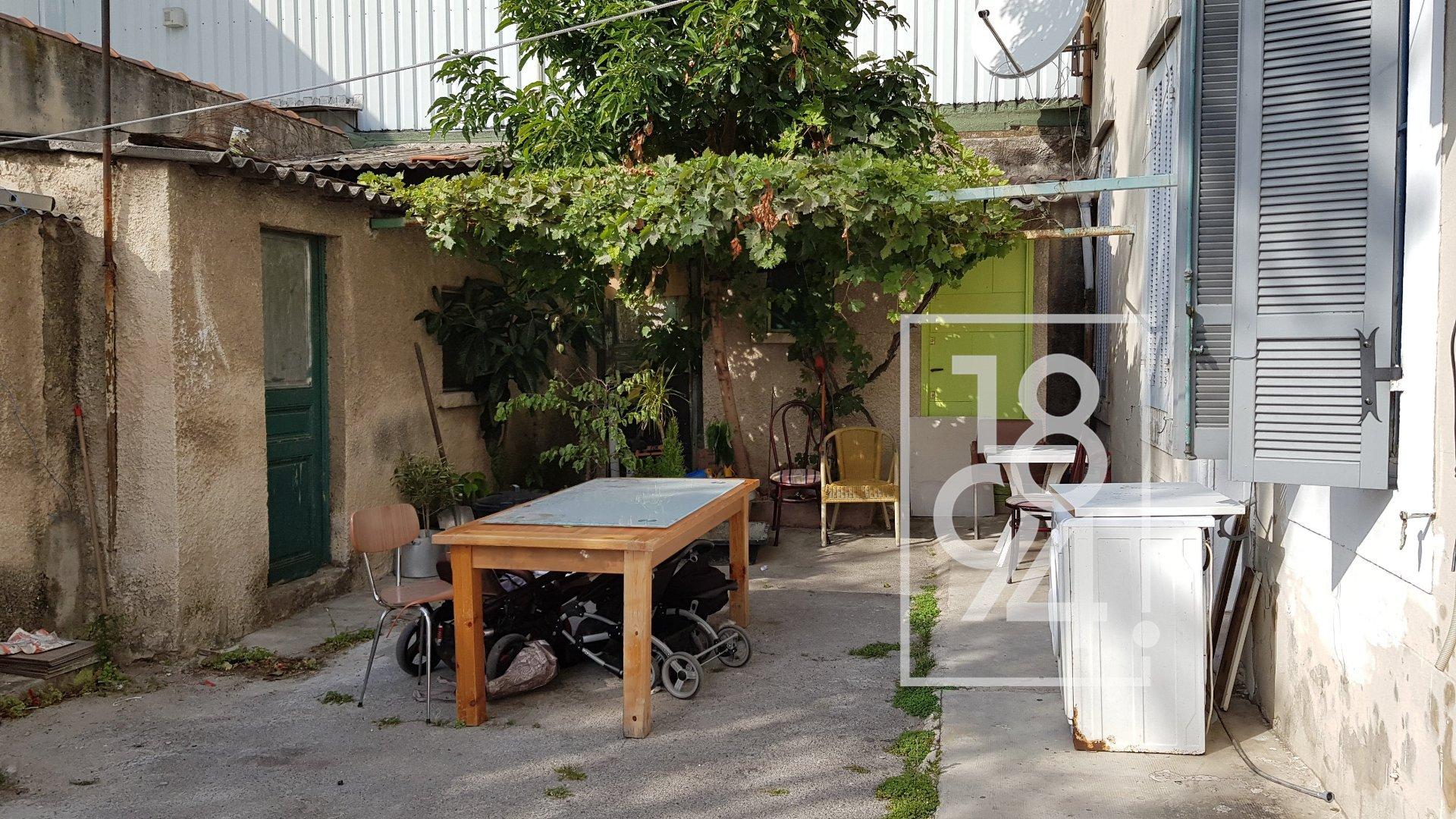 T2 AVEC LOCATAIRE SERIEUX EN PLACE - PLACEMENT A + DE 9% - 13015