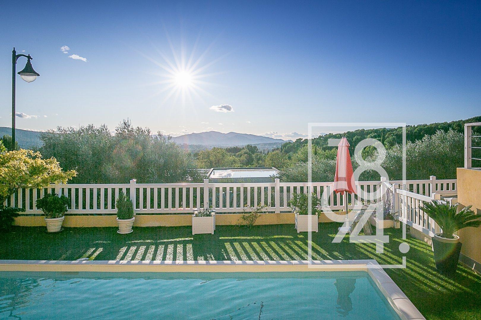 Très belle Villa bucolique avec piscine et vue dégagée sur le Garlaban