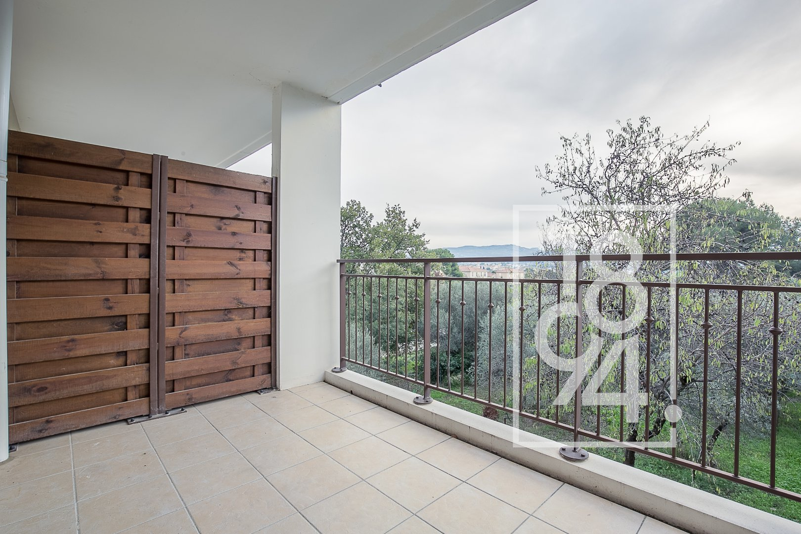 T2 dans résidence standing avec terrasse et box Chateau Gombert