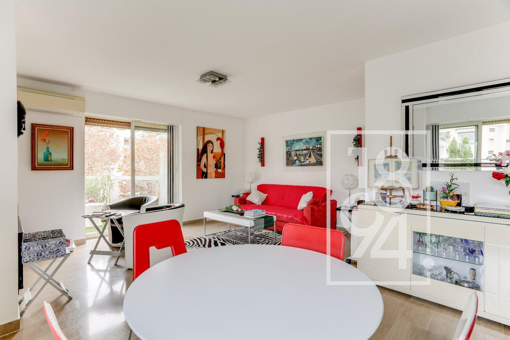 Appartement T4 85 m2 avec grande terrasse