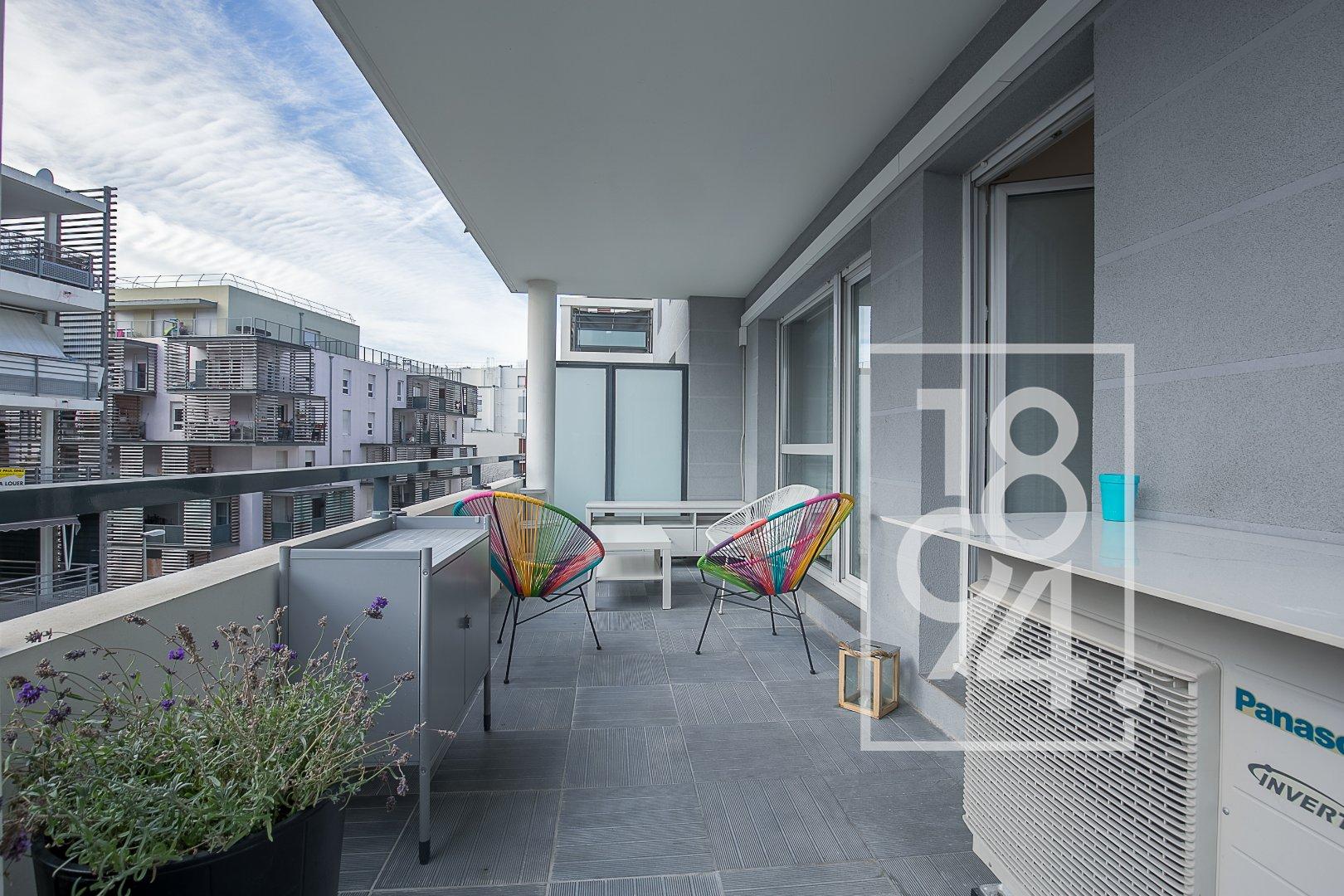Très bel appartement avec une magnifique terrasse 21M²