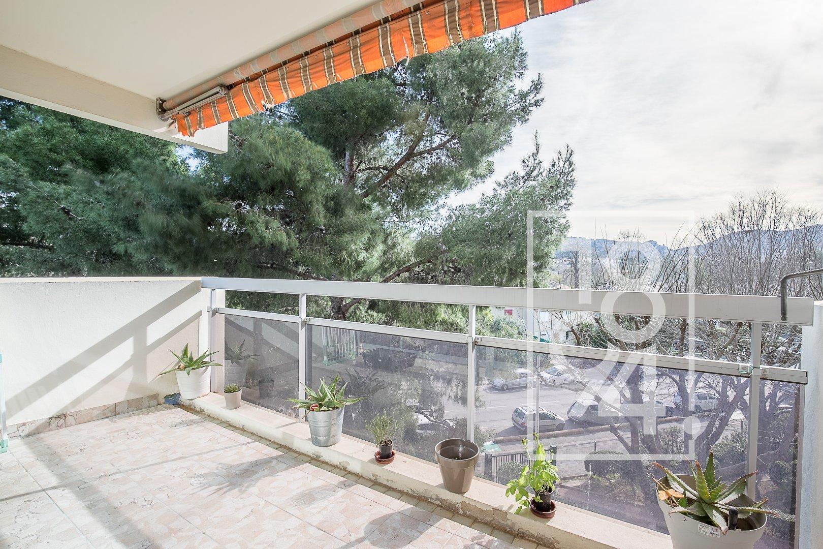 Appartement T3/4 avec terrasse et garage secteur Comex/Mazargues