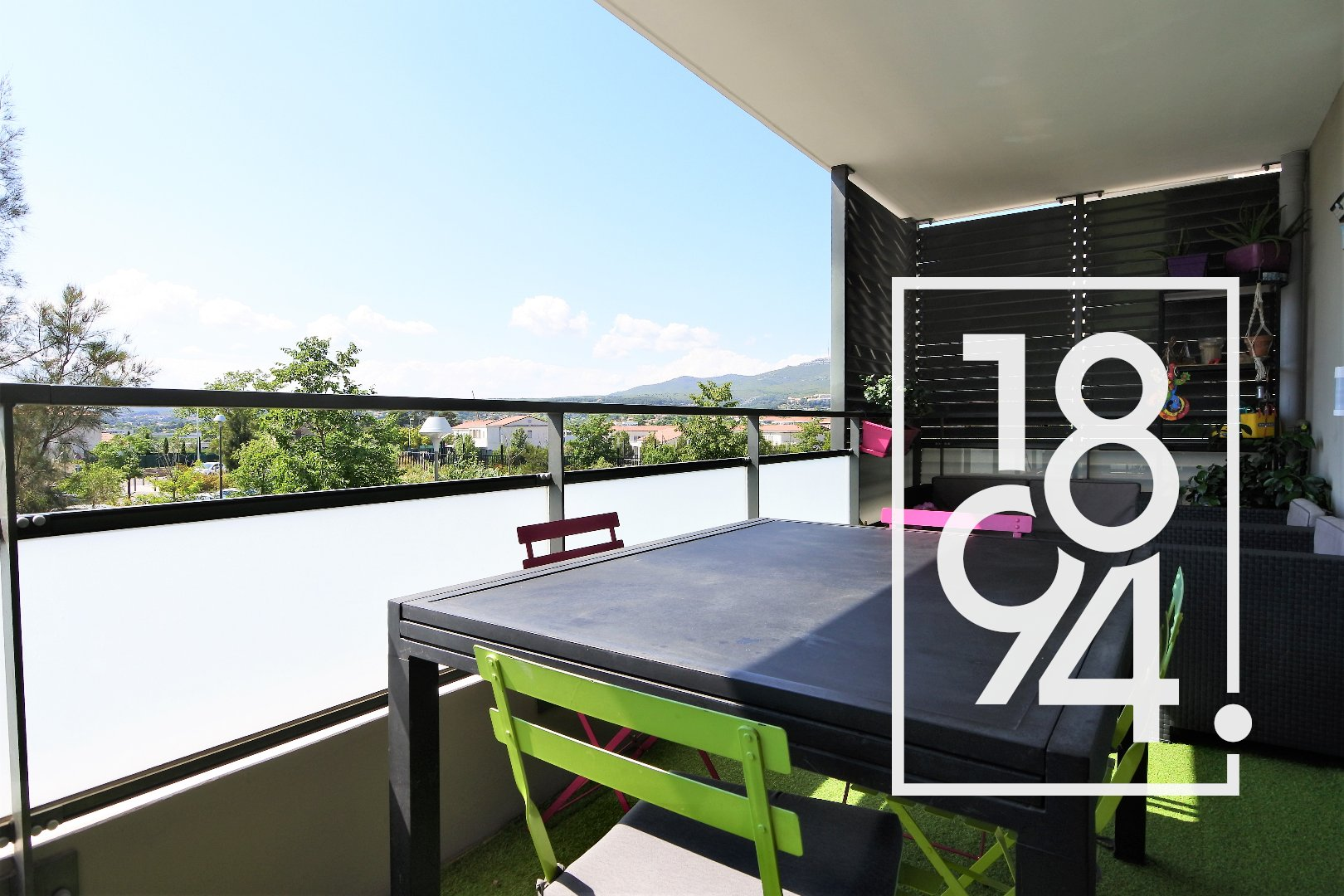 APPARTEMENT T3 TERRASSE PARKING CHATEAU GOMBERT