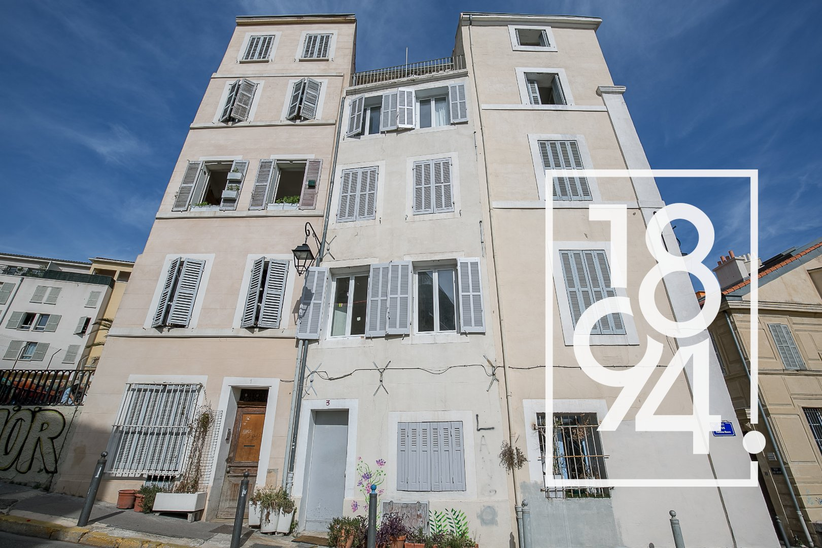 Le Panier - Immeuble de rapport - Vue panoramique sur Marseille