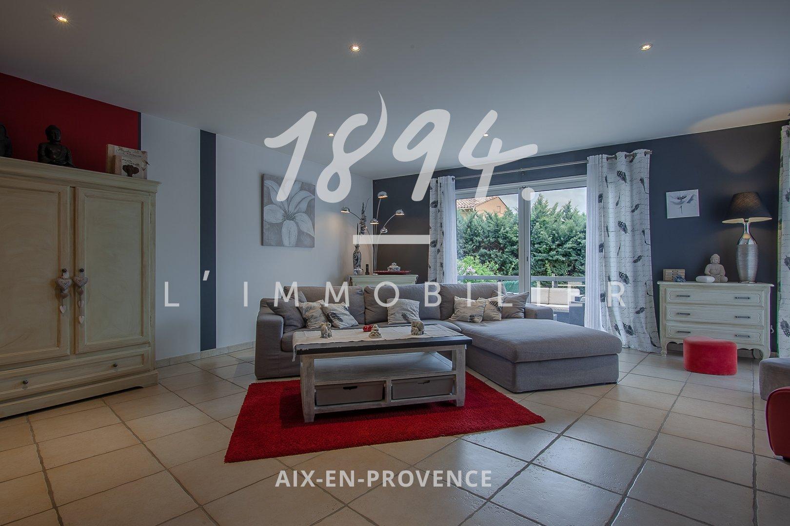 Belle maison moderne (2010) T5 + bureau, plain pied de 104 m² sur 670 m² de jardin à La Bastide des Jourdans