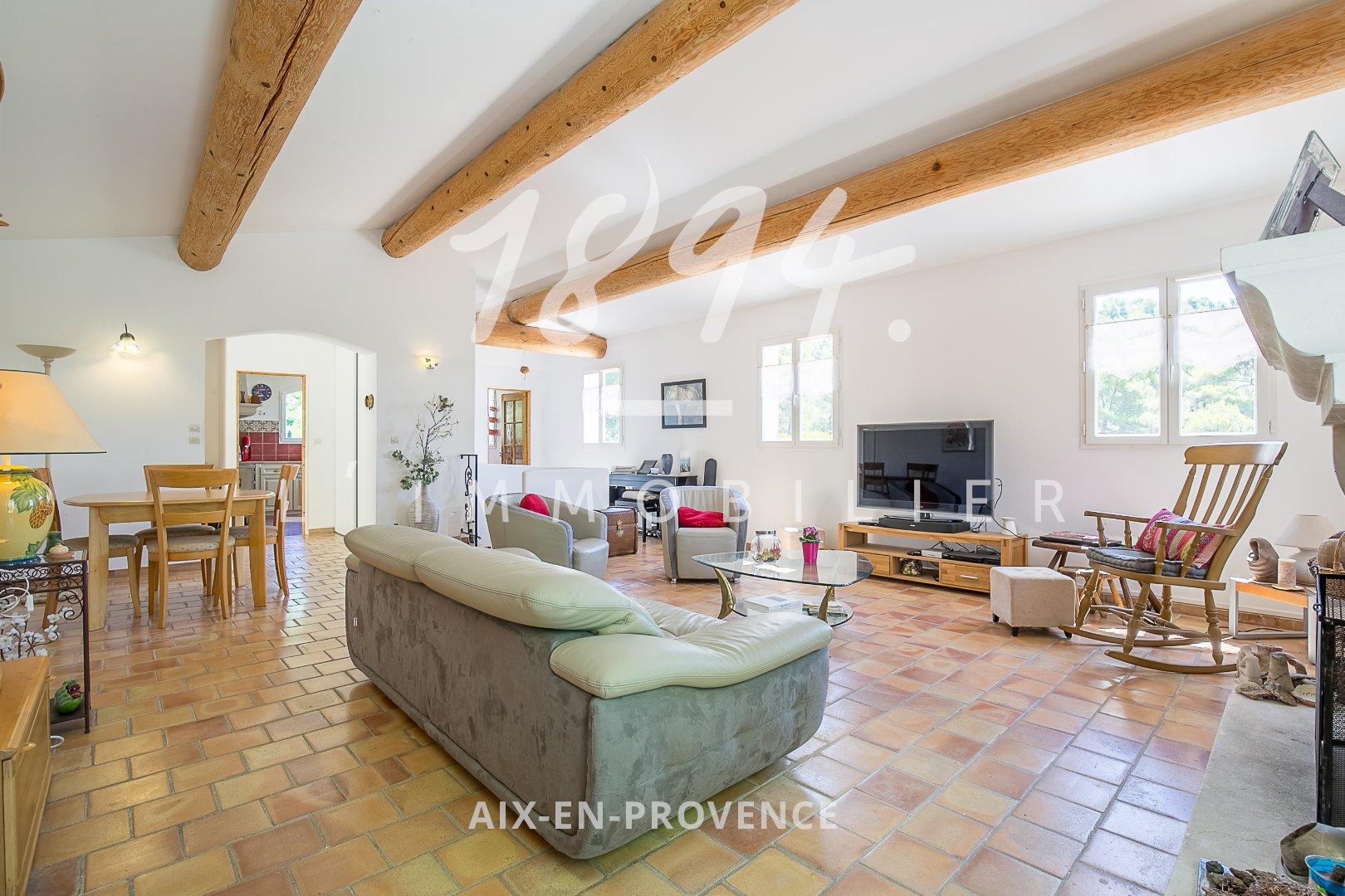 Maison de 152m², 5 chambres au calme et sans vis à vis à 12 km de La tour d'Aigues