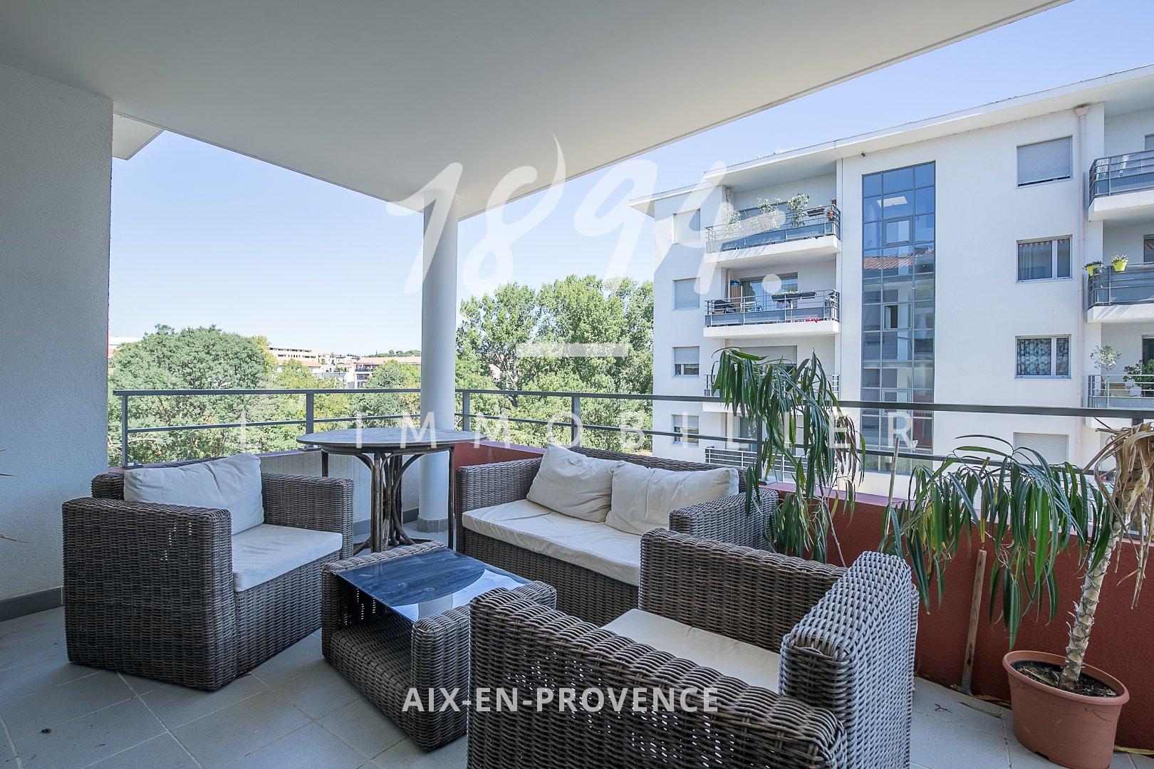 Appartement T2 avec terrasse et parking au pont de l'arc