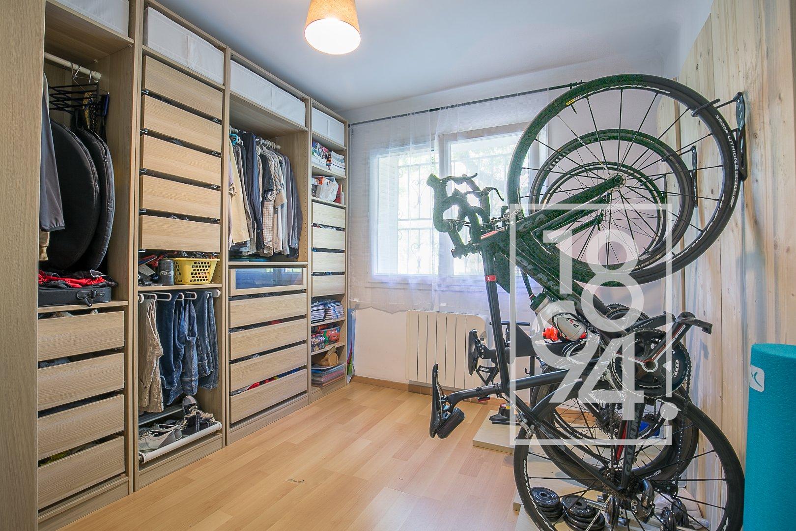 Appartement T4 de 80m2 en RDC surrelevé à Aix-en-provence
