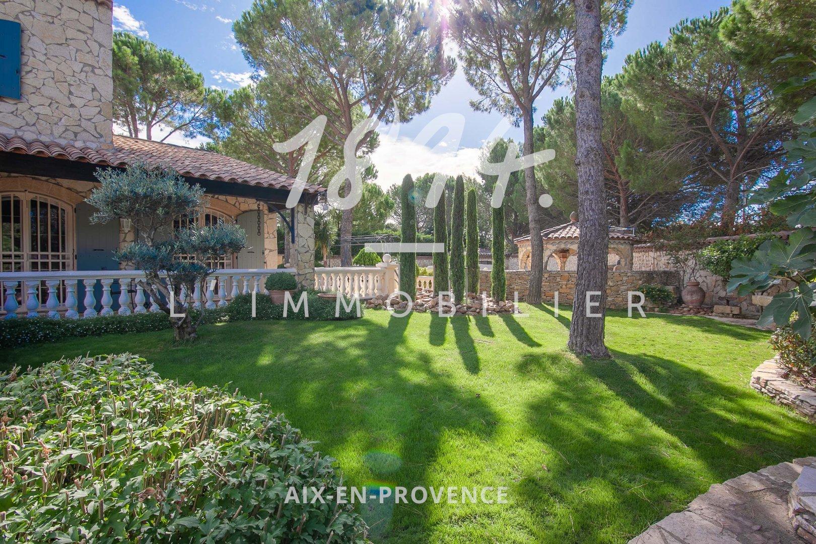 Villa de charme T6 177m² avec piscine et terrain de 1360m2
