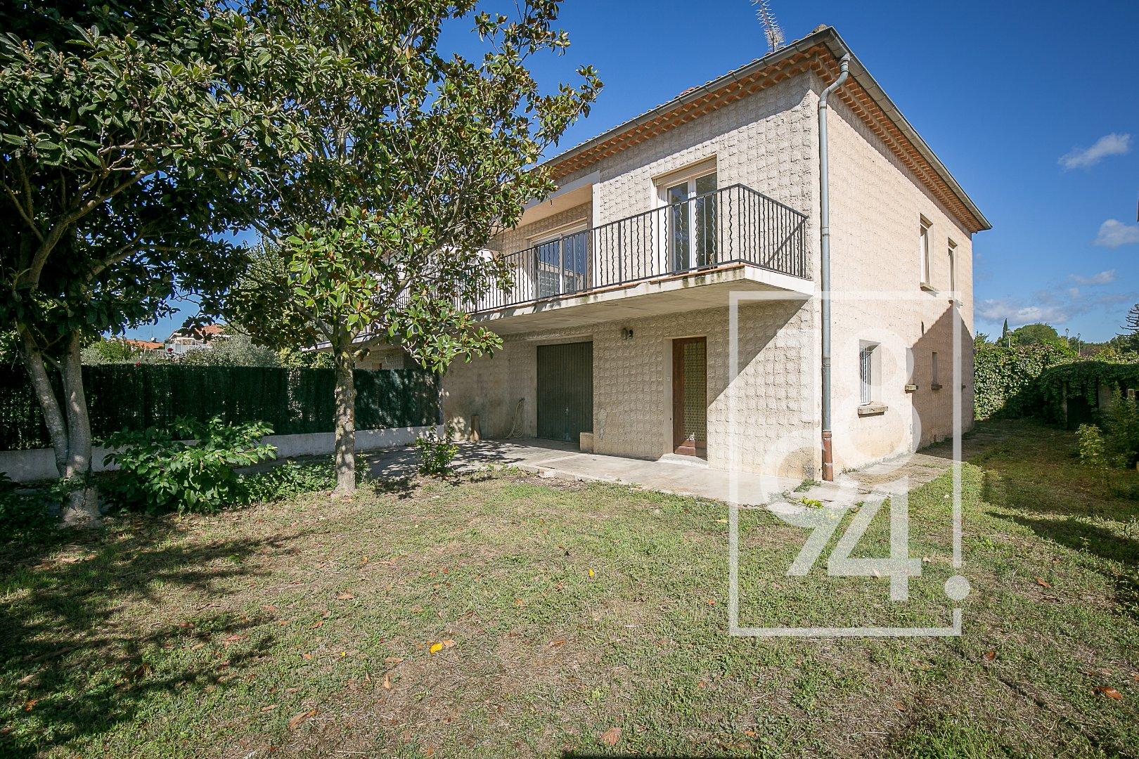 Maison T4 de 180 m² avec garage, cave, terrasse et jardin arboré à La Tour d'Aigues