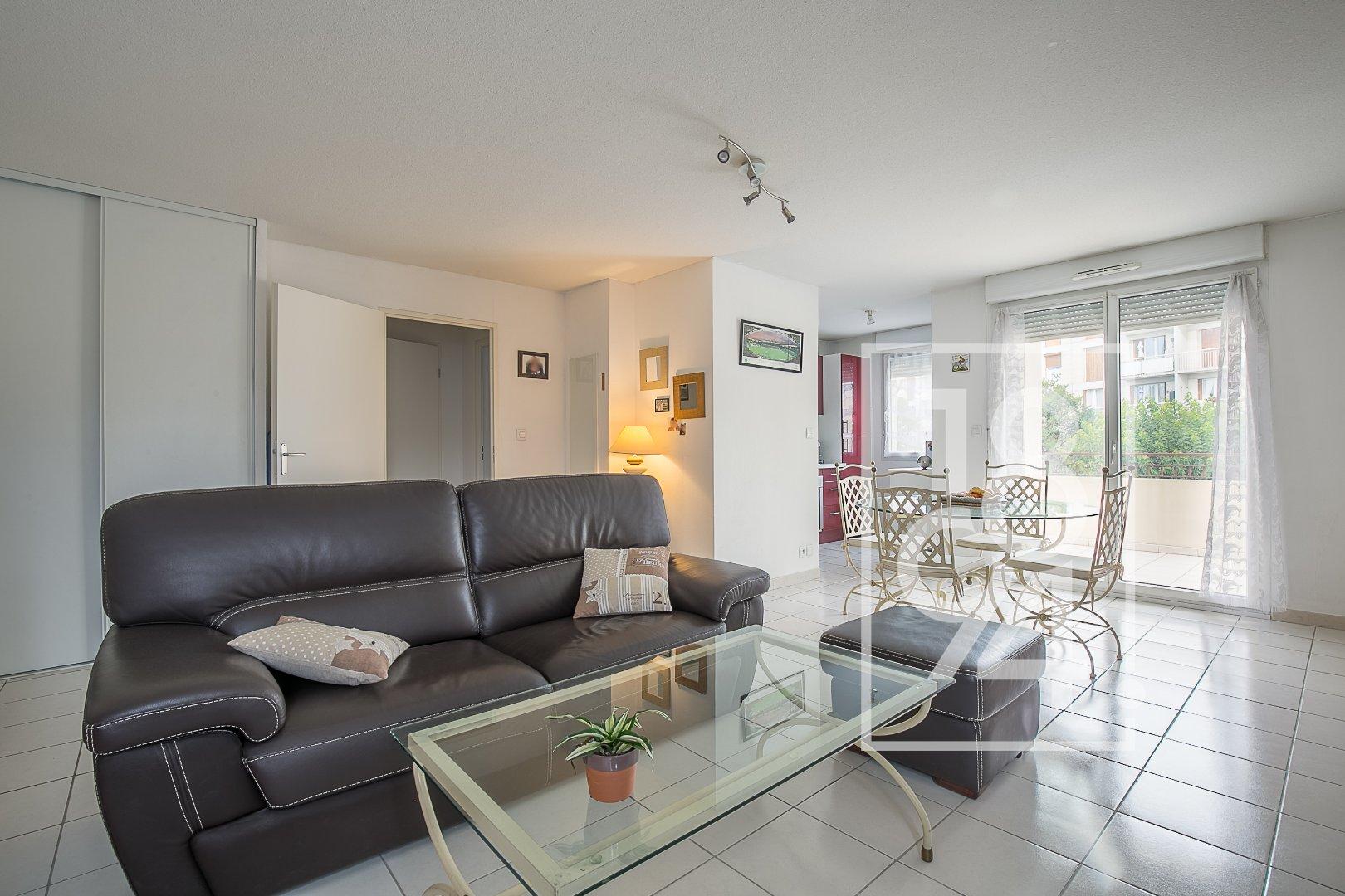 Appartement moderne de type T2 d'environ 54m2 dans une résidence calme