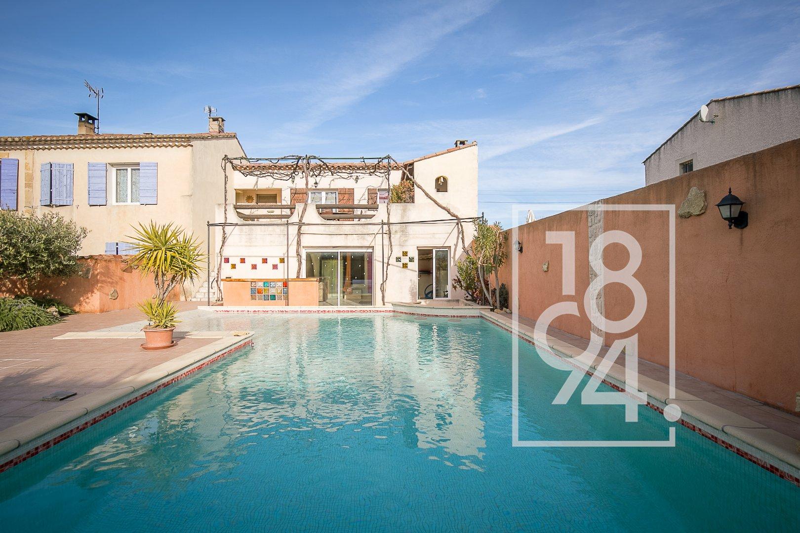 Appartement type T5 d'environ 110m2 avec jardin de 200m2 à Salon de Provence
