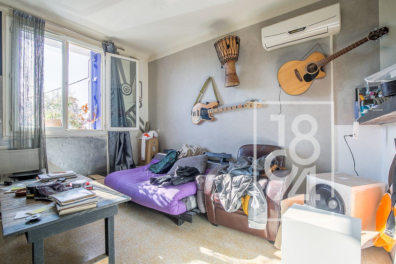 Appartement T2 d'environ 32m2 avec terrasse et garage à Salon de provence
