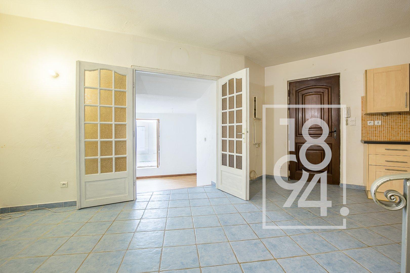 Appartement de type 2 avec cave  en centre ville, Salon de Provence