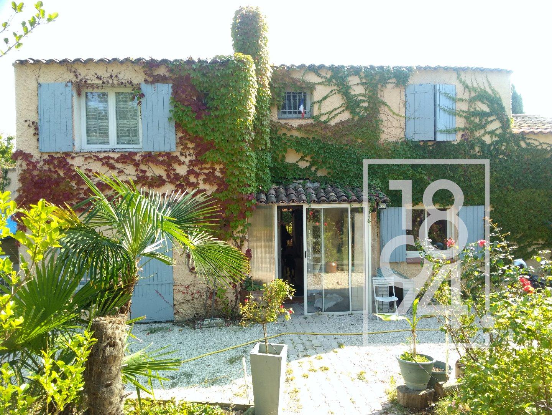 Maison T5 d'env. 140m² sur 770m² avec piscine, garage et studio indépendant