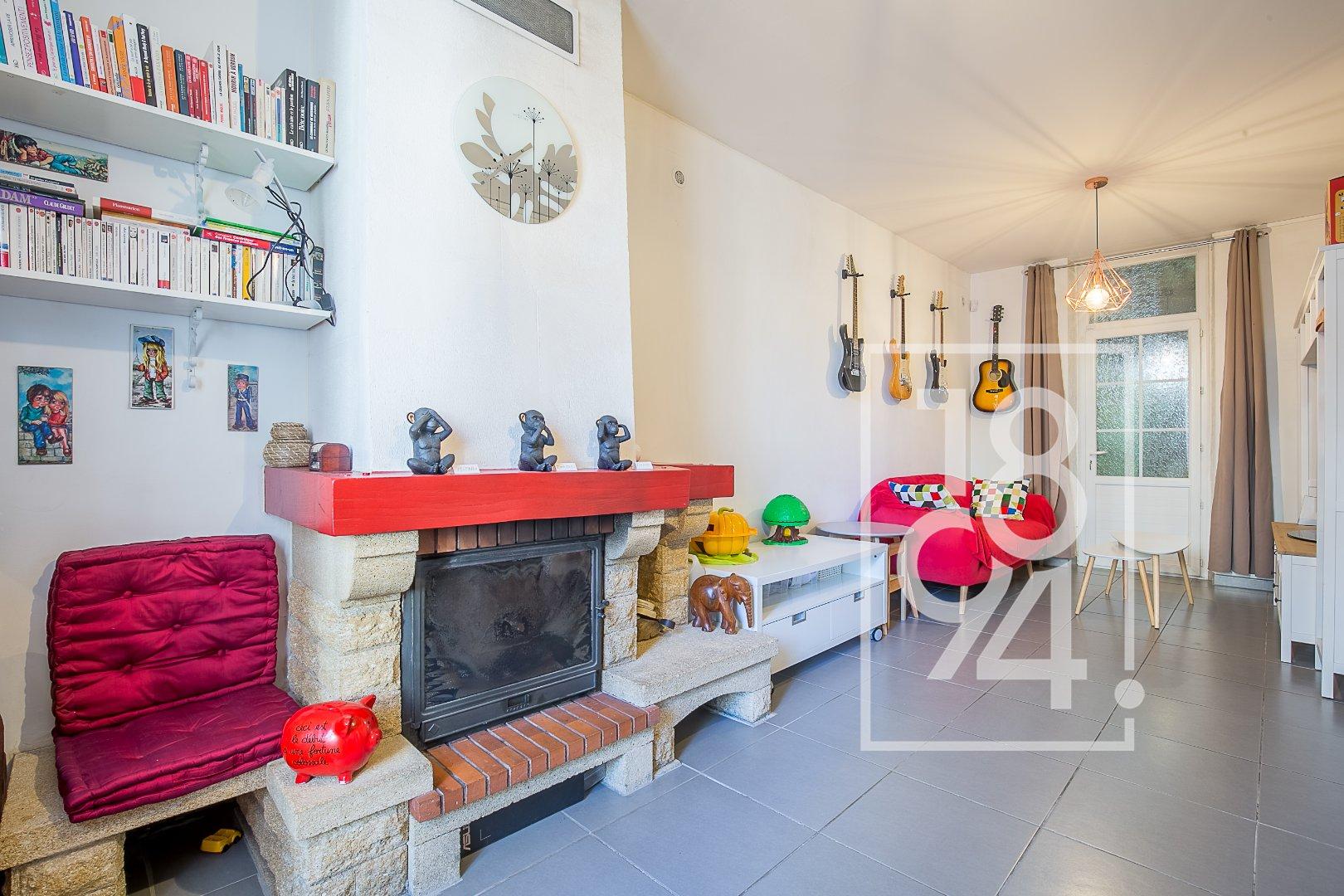 Maison de ville de 100m2 avec terrasse à Salon de Provence
