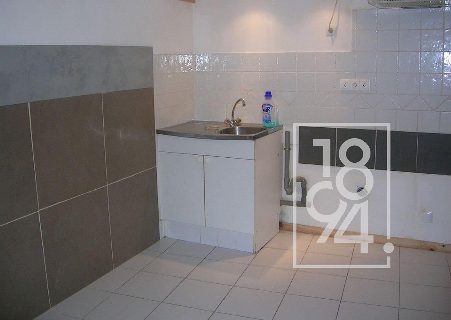Appartement de type 2 en RDC, 30 m2 au centre de Trets