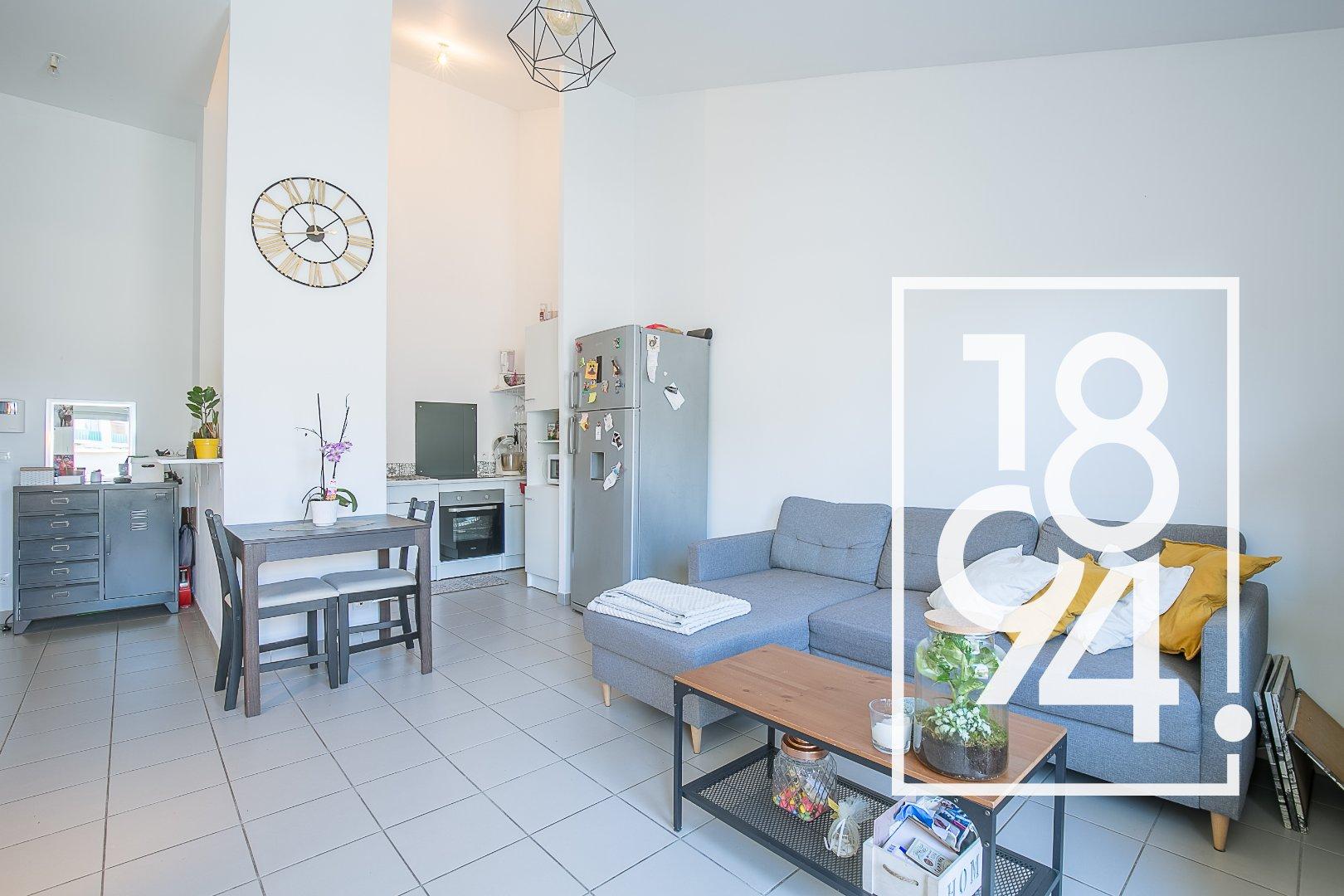 Appartement T3 de 59m2 avec terrasse et place de parking à Salon de Provence