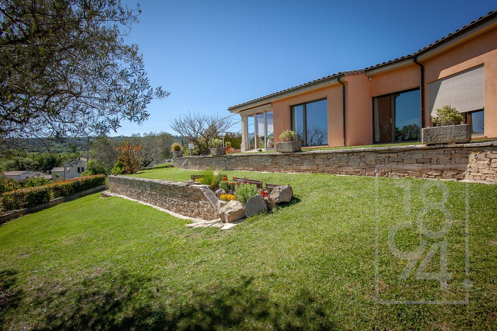 Villa 170m² 3 chambres sur un terrain de 1260m² à Manosque