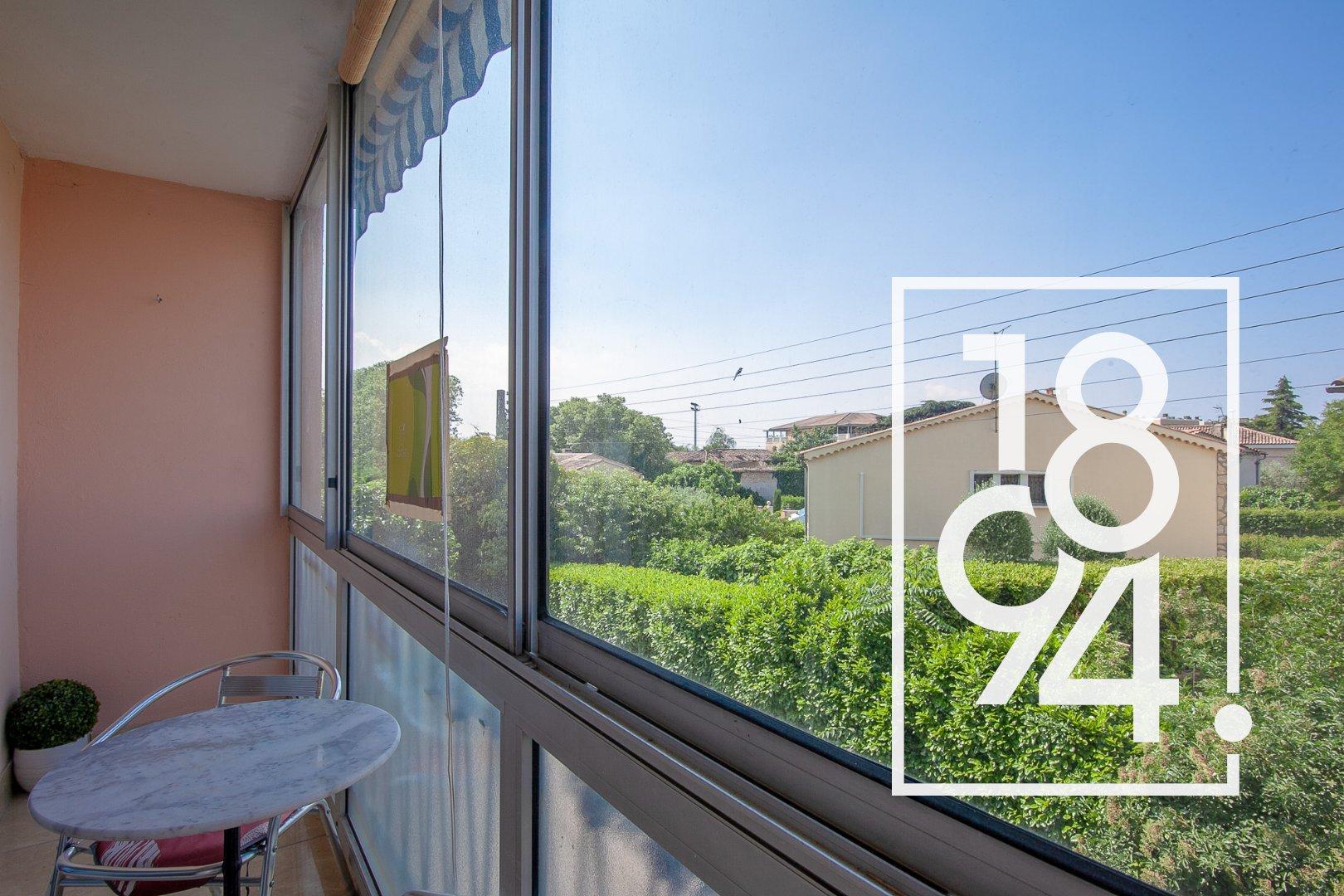 Appartement T4 avec balcon, garage et cave d'environ 70 m² à Manosque