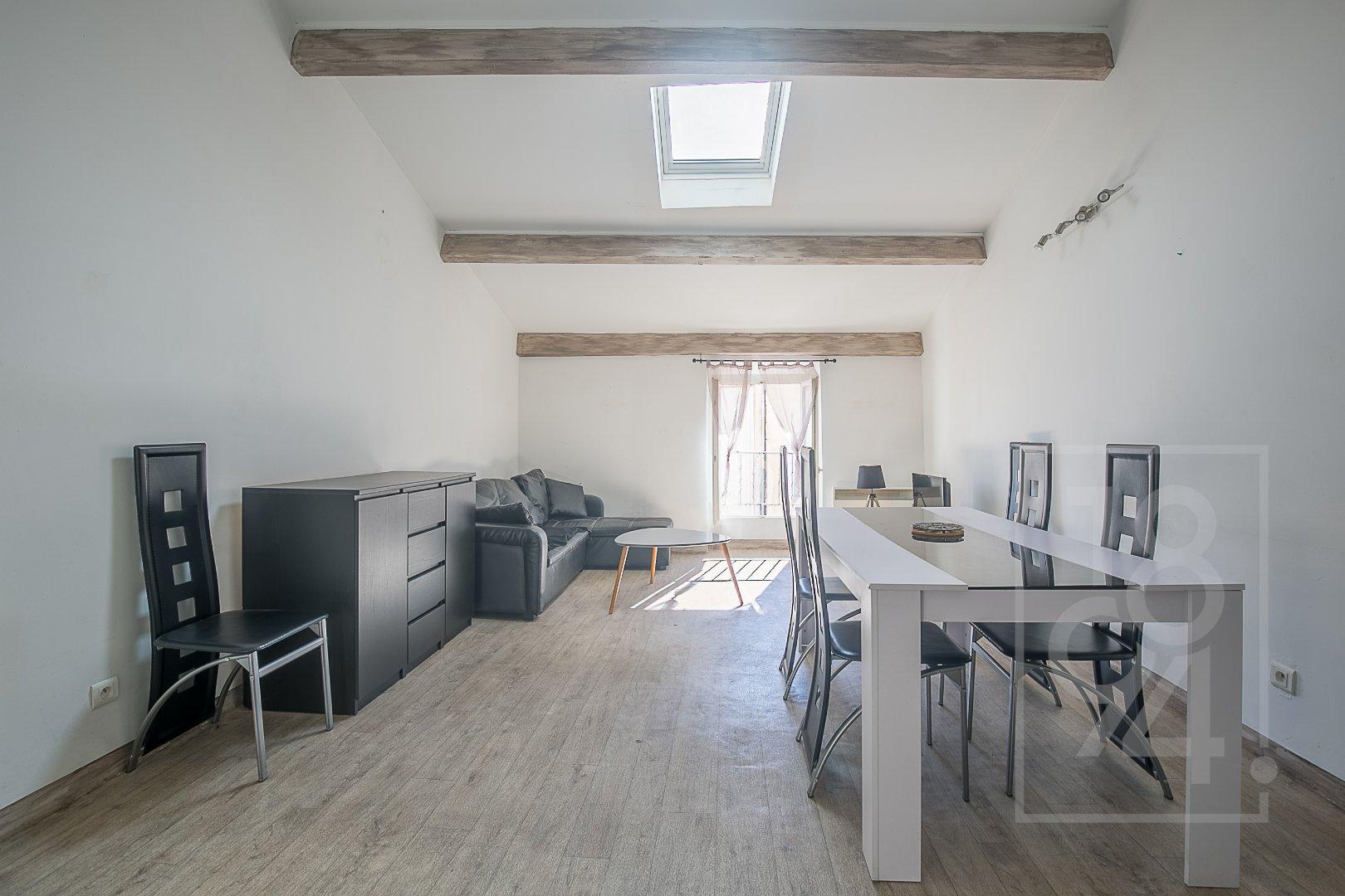 Appartement de type Loft, entièrement rénové, dans le centre ville de Gardanne