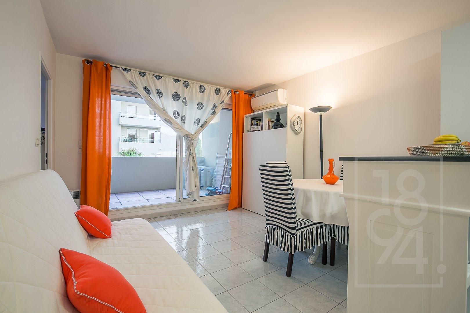 Appartement T2 avec terrasse quartier castellane Marseille 6ème
