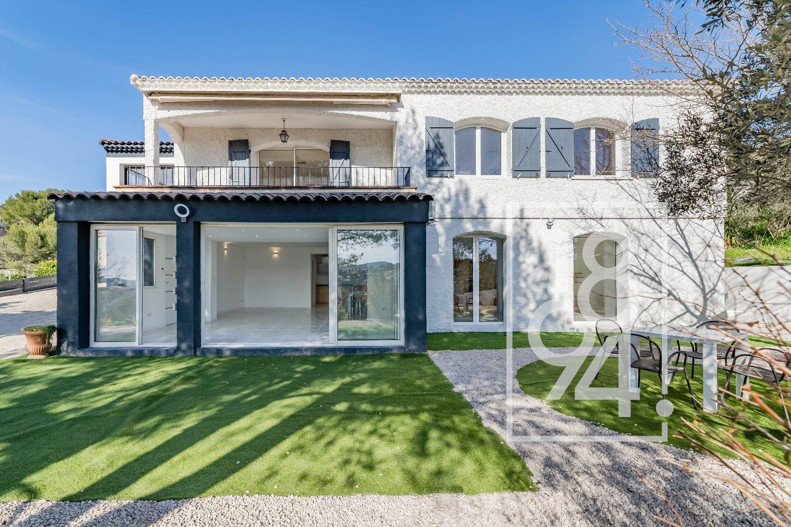 CARNOUX ! Magnifique villa de 220m2 avec piscine