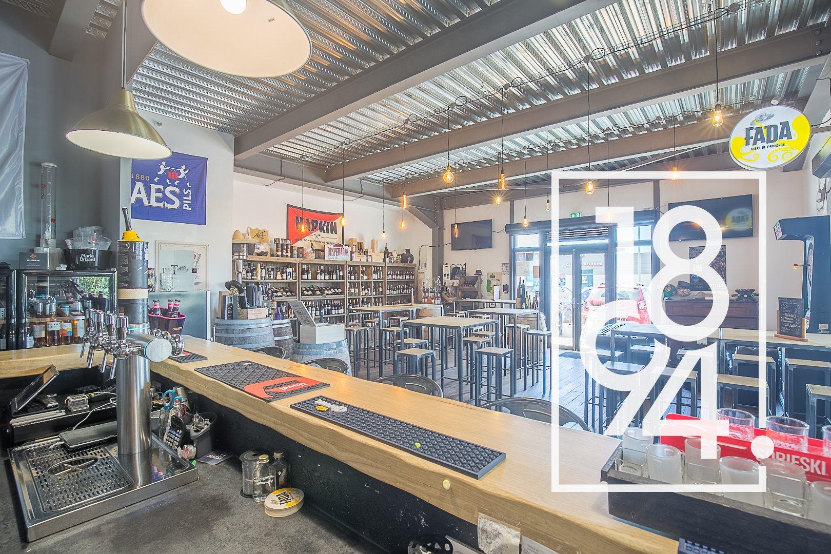 Fond de commerce: brasserie, bar a vin à SENAS