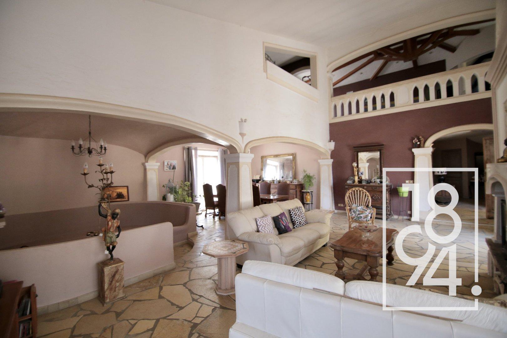 Maison de maçon en pierres Callas